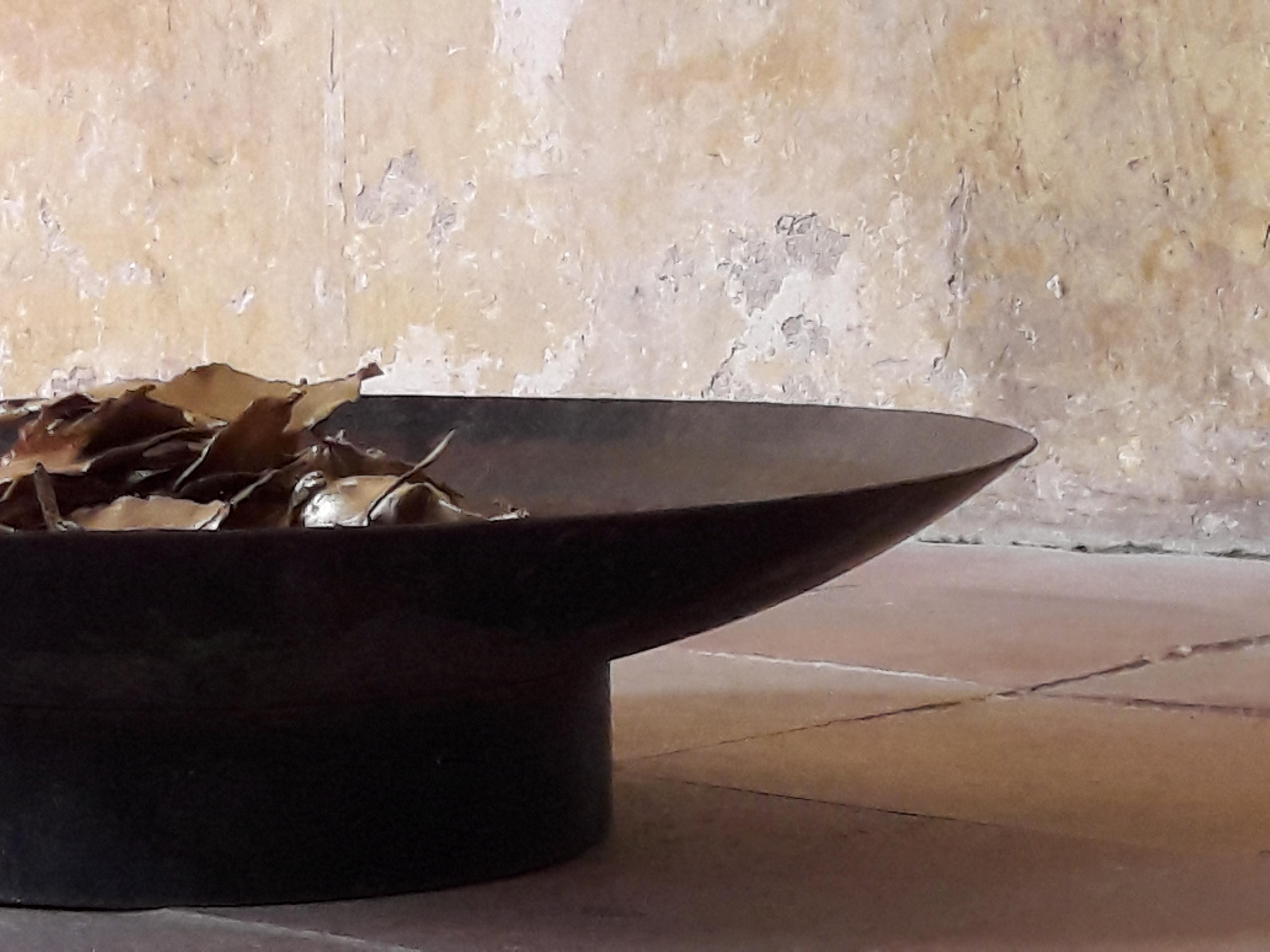 Obsolescence (détail) - Terre cuite, patine dorée, métal